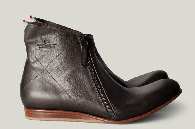 Medium_hard-graft-shoes-zip-boot