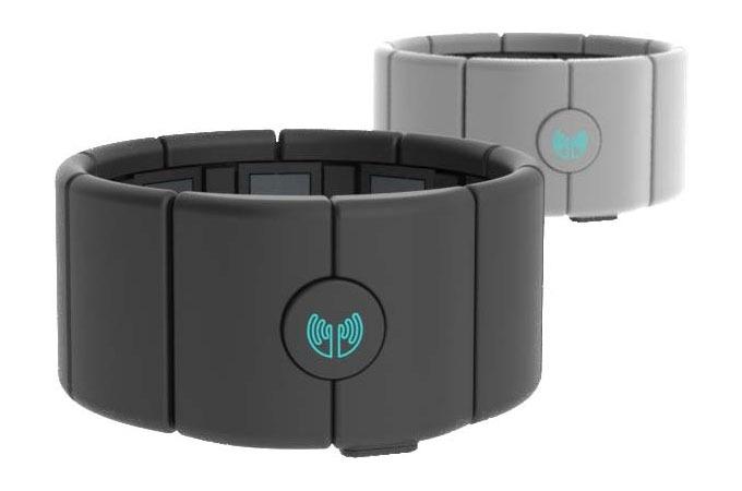 Medium_od7quy74adysdyj3ju1d7seyk8fklscu2h5qjaplia_myo-gesture-control-armband
