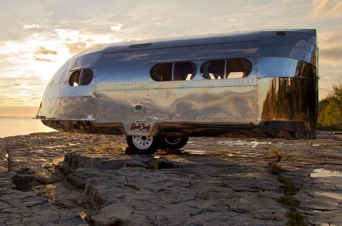 Medium_2013-bowlus-road-chief-rv-trailer-1