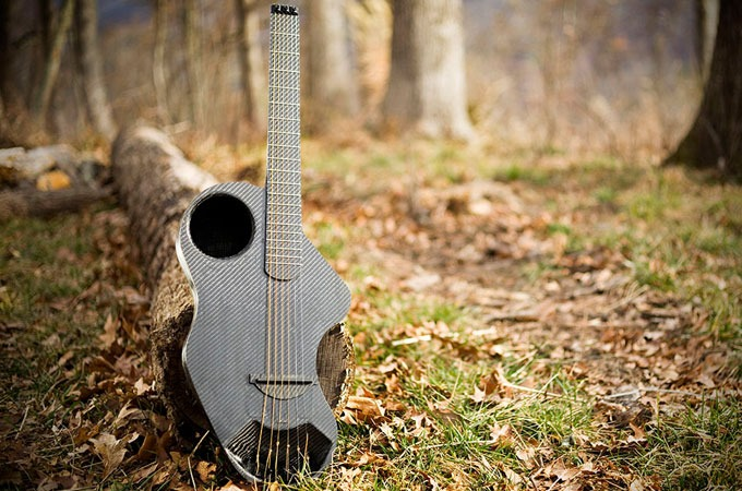 Medium_tmtvnerijhemqsf7q4awof0ymzvfq072pajat0os210_alpaca-travel-guitar