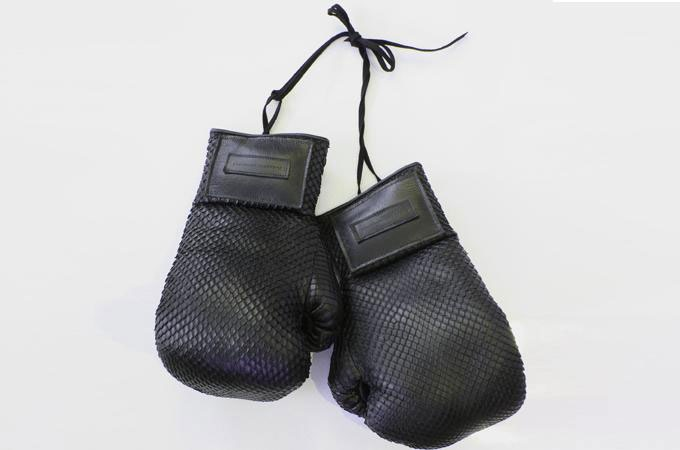 Medium_manilla-boxing-gloves-elisabeth-weinstock-2