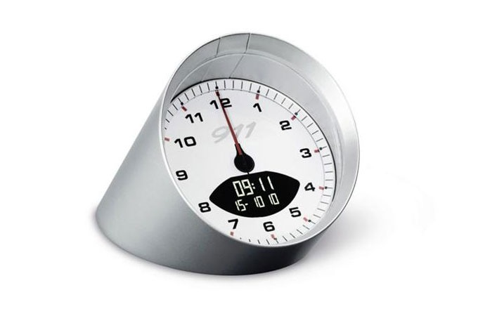 Medium_porsche-tabletop-clock-1