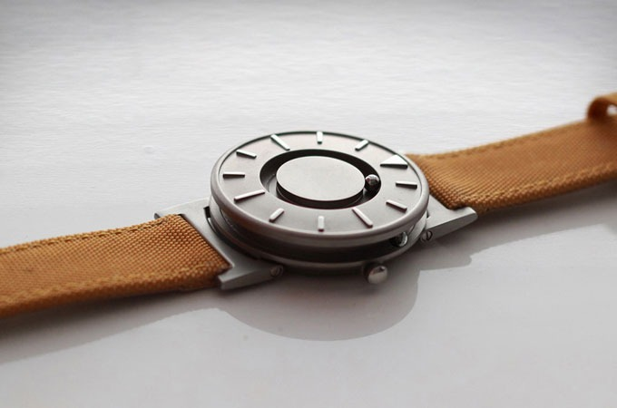 Medium_the-bradley-timepiece